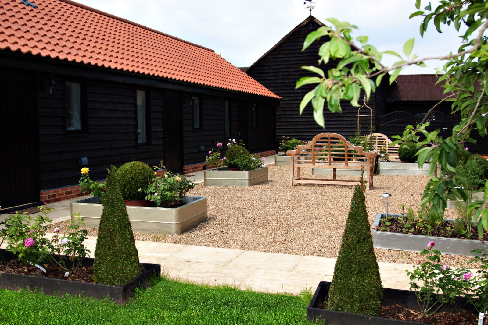 1 Mollett's Farm Courtyard