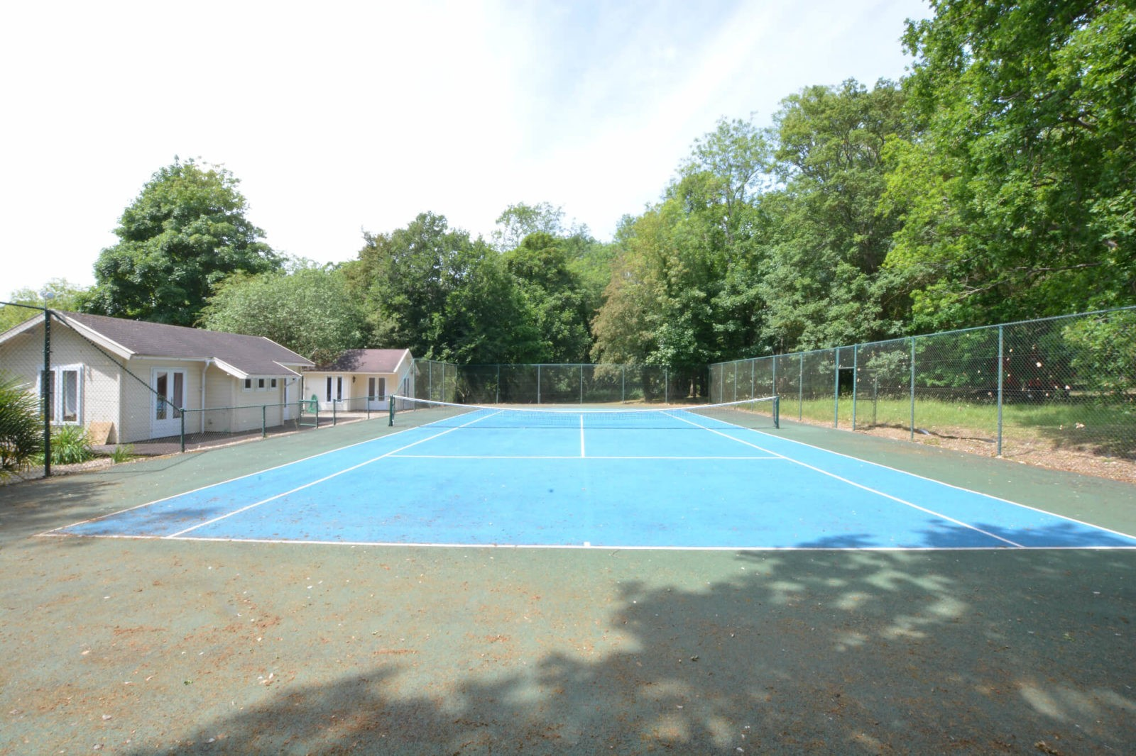 Broadwater, Framlingham Tennis Court