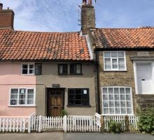Blog title Rosemary Cottage Aldeburgh – Iconic in More Ways than One!