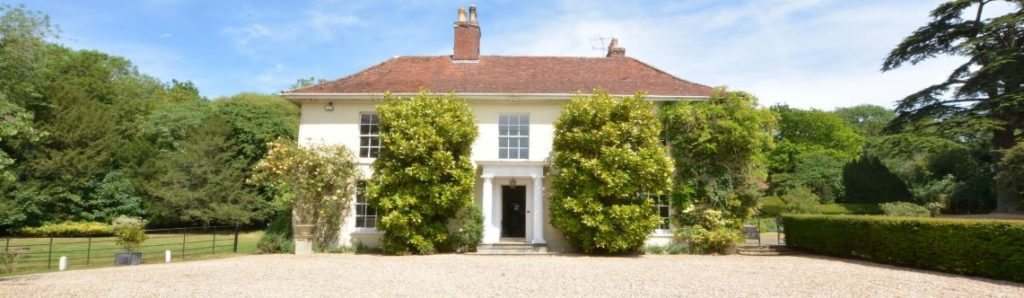 LArge Holiday Cottages Broadwater