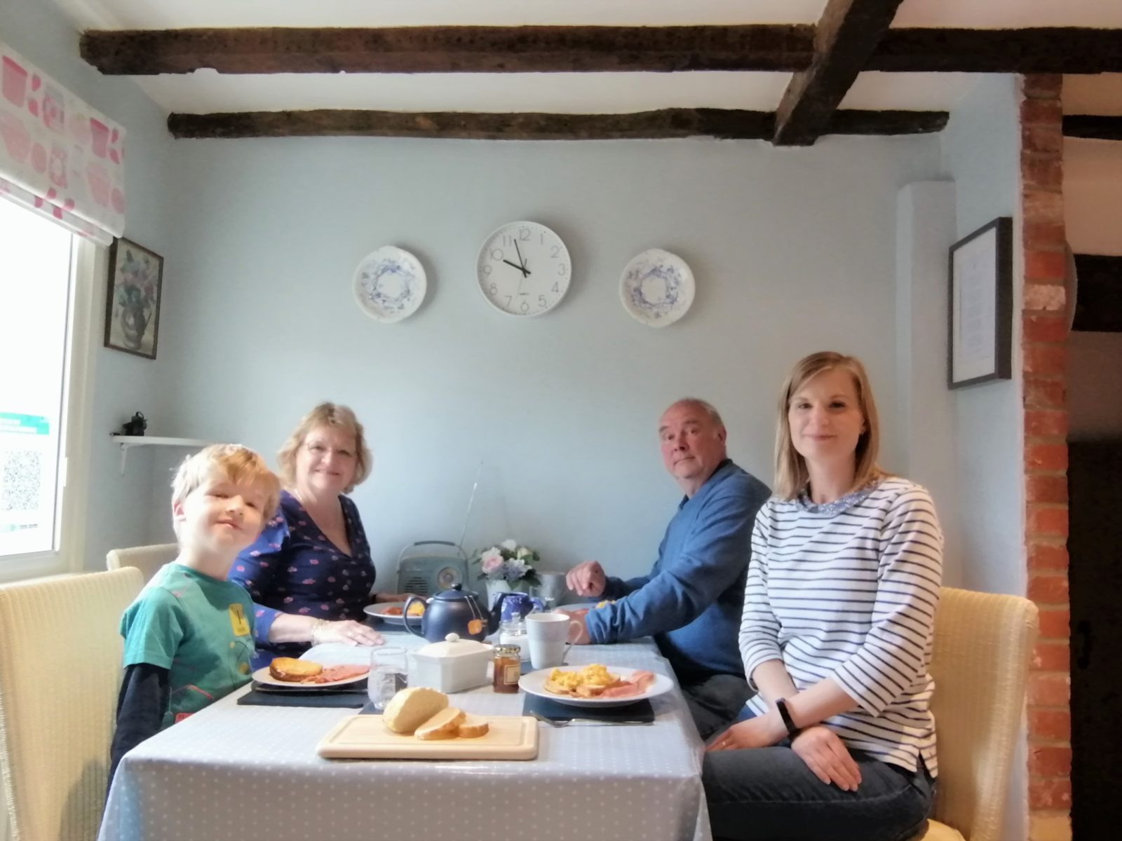 Star Cottage Breakfast Dining Table