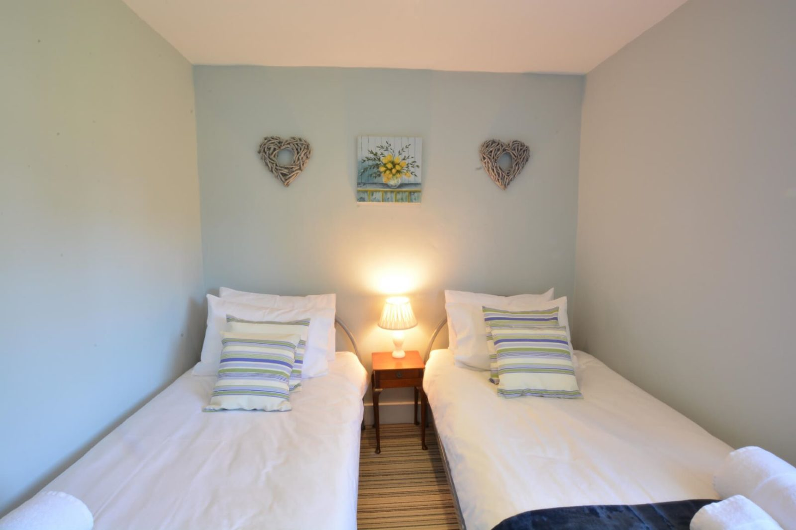 Twin Bedroom Star Cottage