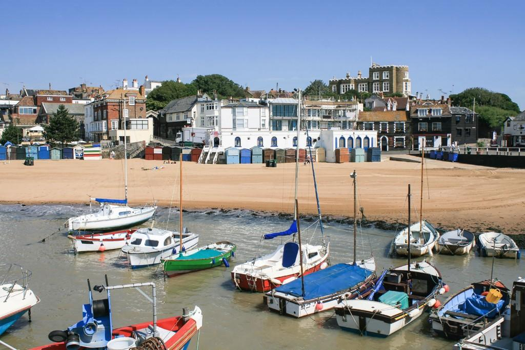 Broadstairs-beach-and-harbour